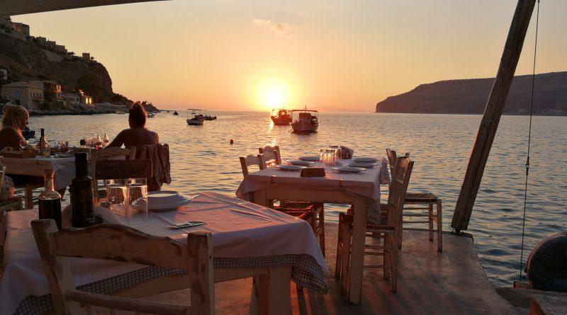 Sonnenuntergang auf Peloponnes in Griechenland