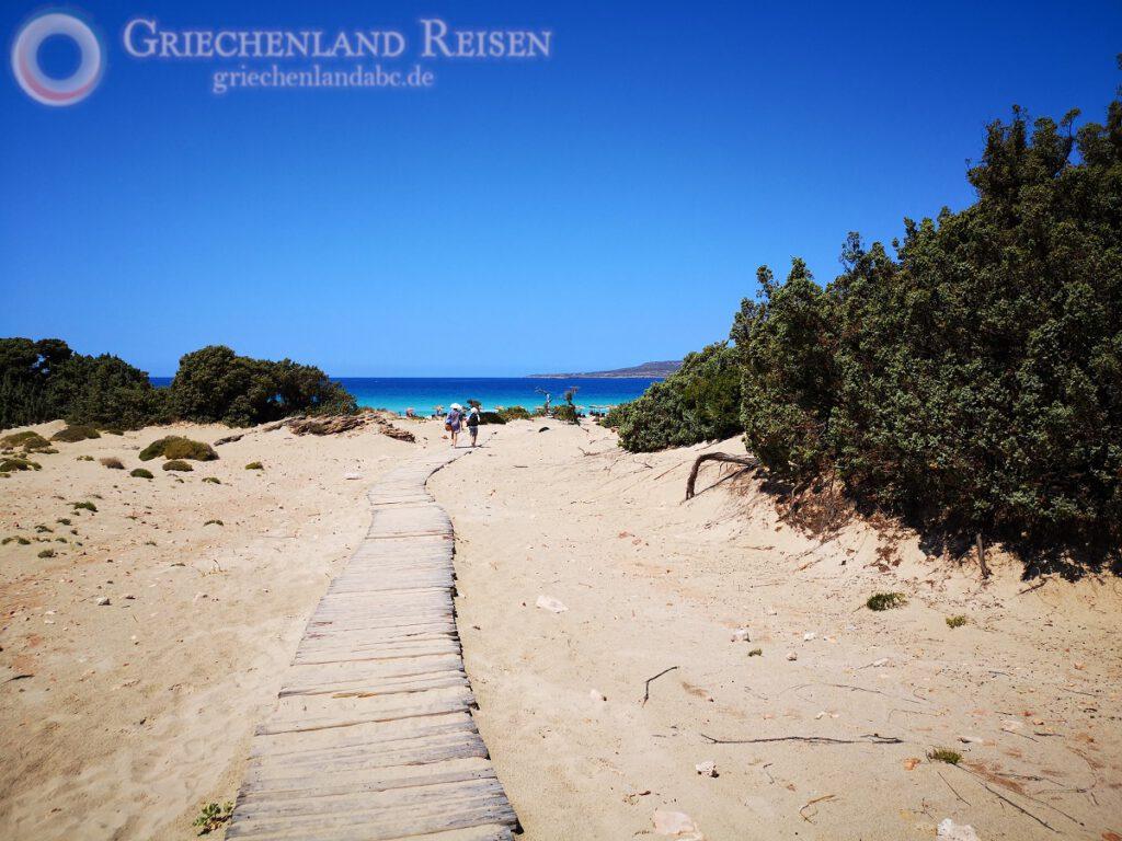 Ruhiger Strand in Griechenland